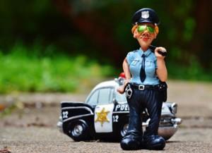 policewoman-986044_960_720